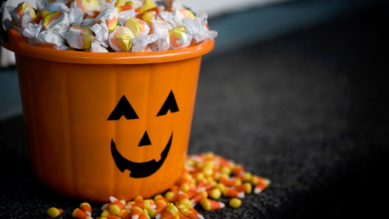 science says this much halloween candy could kill you - abc news