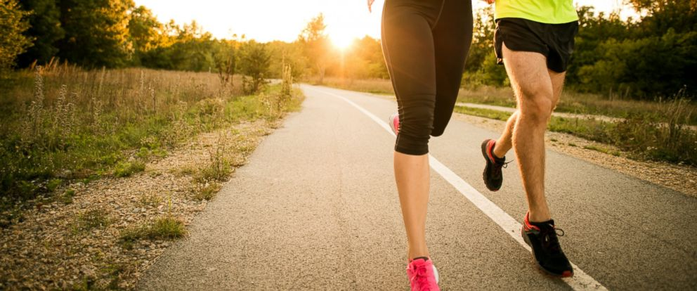 PHOTO: Here are some tips to eating healthy before, during and after running.