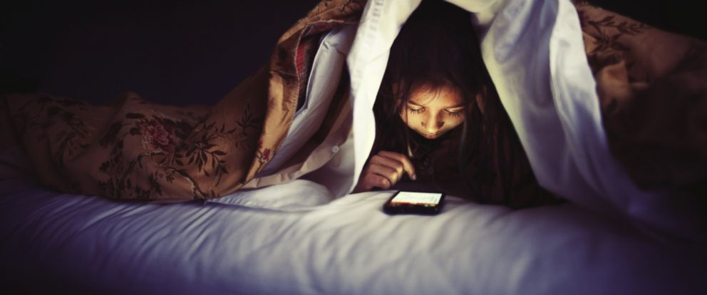 PHOTO: Artificial light and electronic devices may change the way we sleep, researchers say.