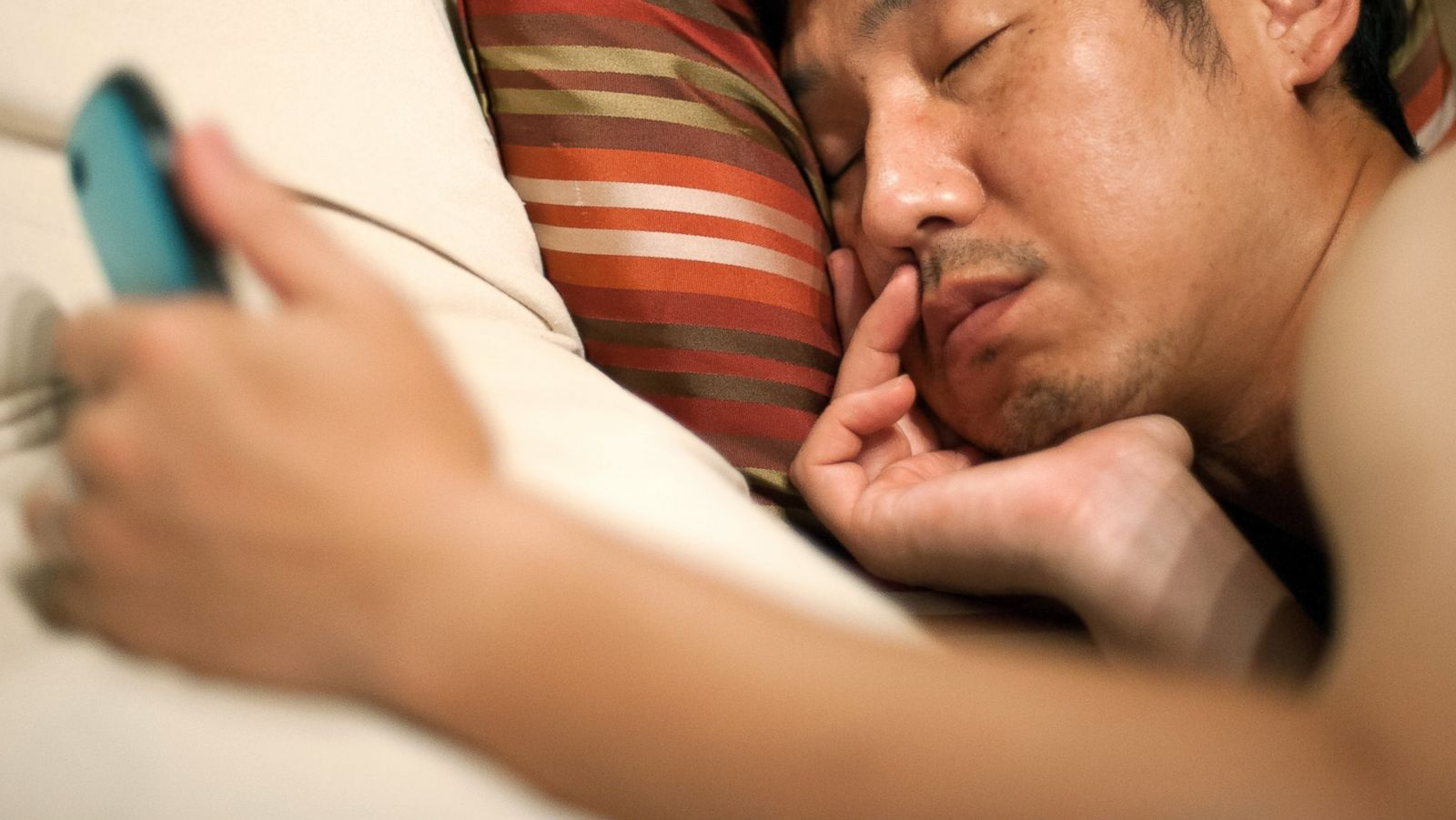 3 Reasons Not to Sleep With Your Phone in the Bed - ABC News