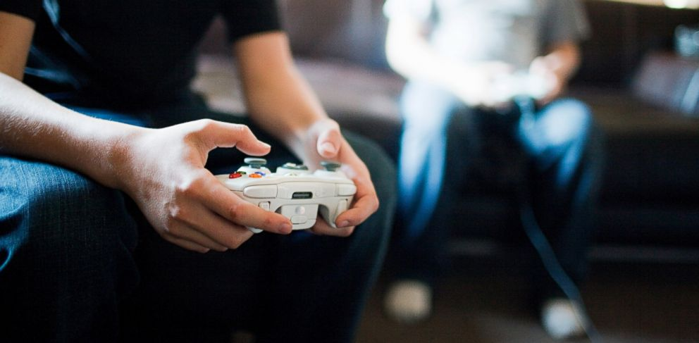 PHOTO: Too many hours playing video games lead to deep vein thrombosis in gamer.