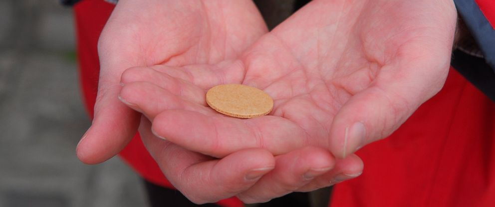 PHOTO: A holy communion wafer seen here in this file photo is made with wheat which contains Gluten.