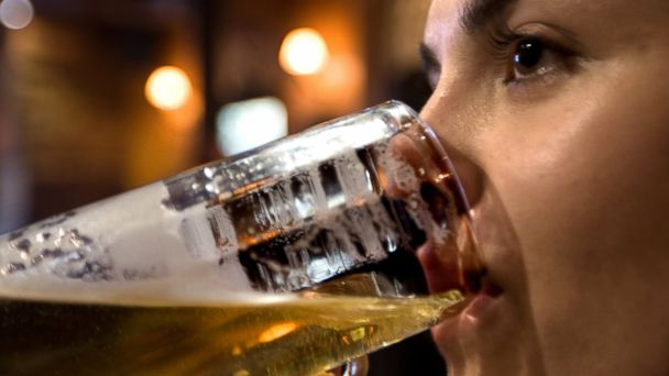 PHOTO: A new survey reports 40% of women consume about 1,000 calories in alcohol in one night.