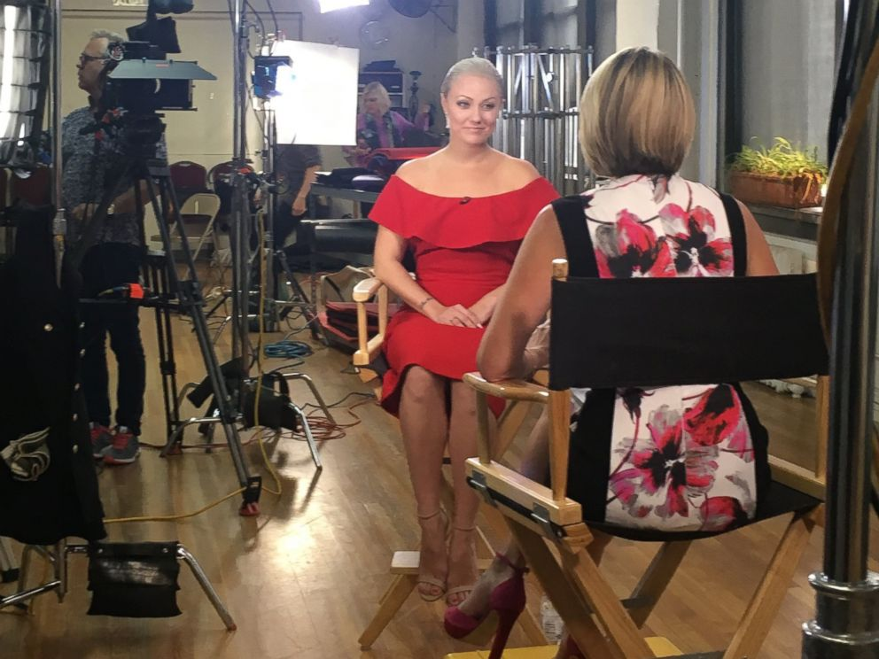 PHOTO: =ABC News Amy Robach speaks with dancer Olivia Hutcherson about Hutchersons battle with breast cancer.