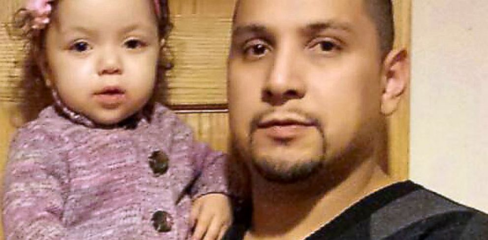 PHOTO: Eduardo Camargo lost 40 pounds so he could donate his liver to his infant daughter, Jazlyn.