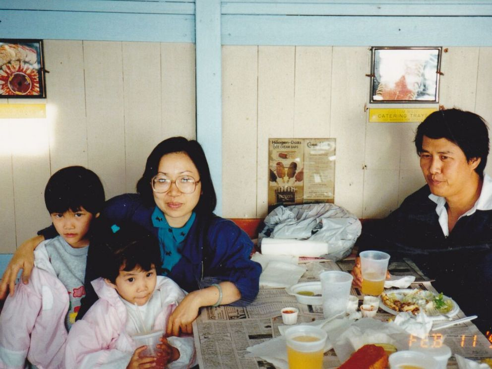 PHOTO: One of the familys favorite past times was getting fresh crab in a shack by a beach in Southern California.