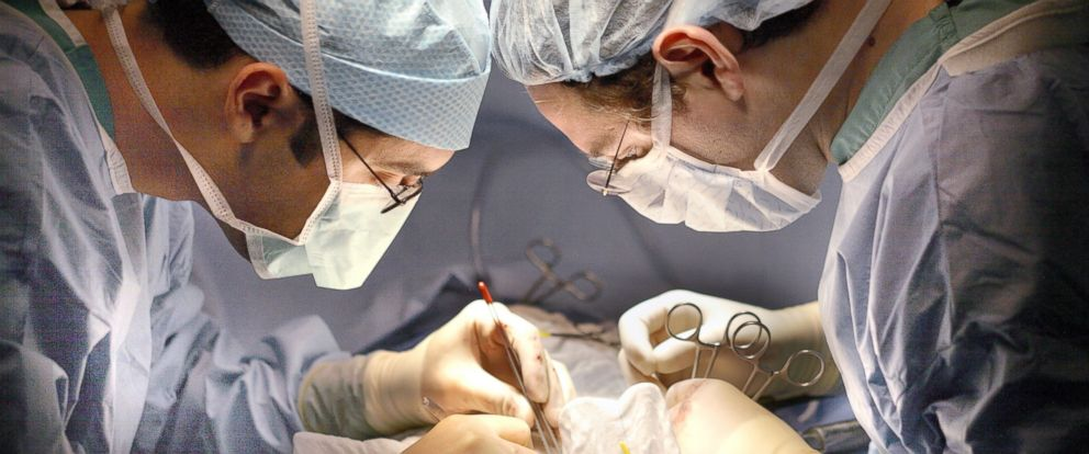 PHOTO: Surgeons at Johns Hopkins performed the first liver transplant between HIV positive donor and recipients.