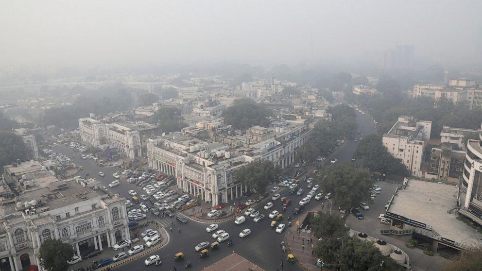 India's capital restricts cars as people choke in dirty air thumbnail