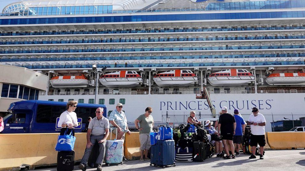 3 terinfeksi pada perusahaan yang menyapa Florida penumpang kapal pesiar