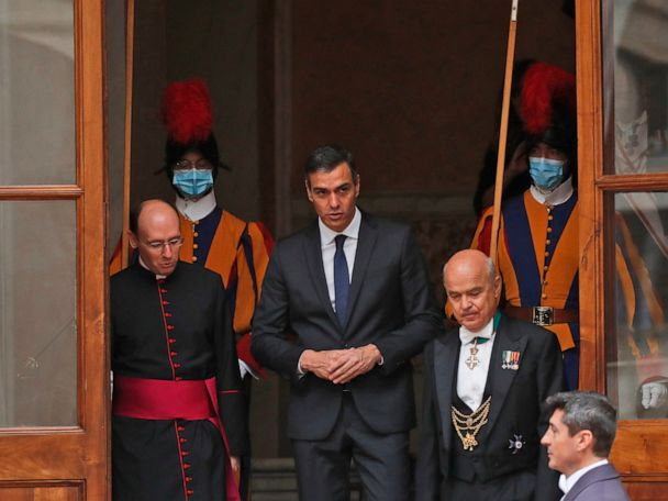 Pope and Spain's prime minister visit maskless at Vatican