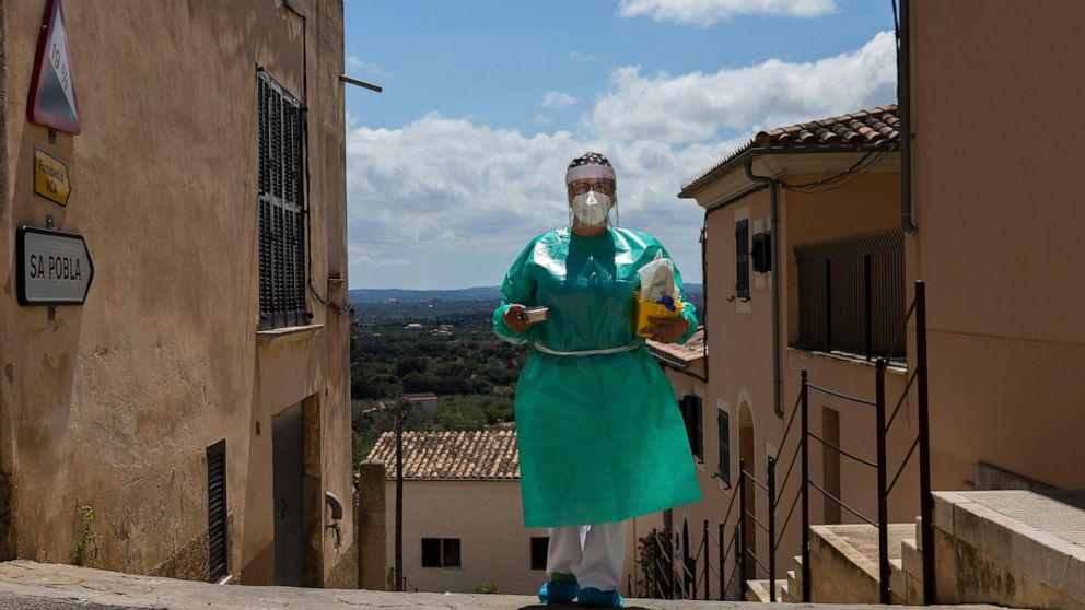 AP PHOTOS: Spain takes vaccines to the rural homebound