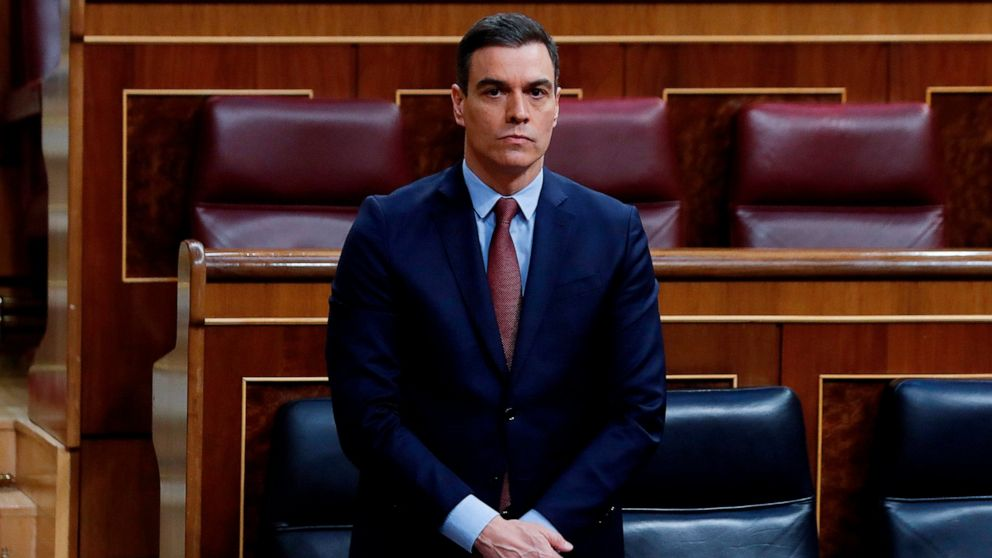Spain to avert political crisis, extend virus lockdown thumbnail