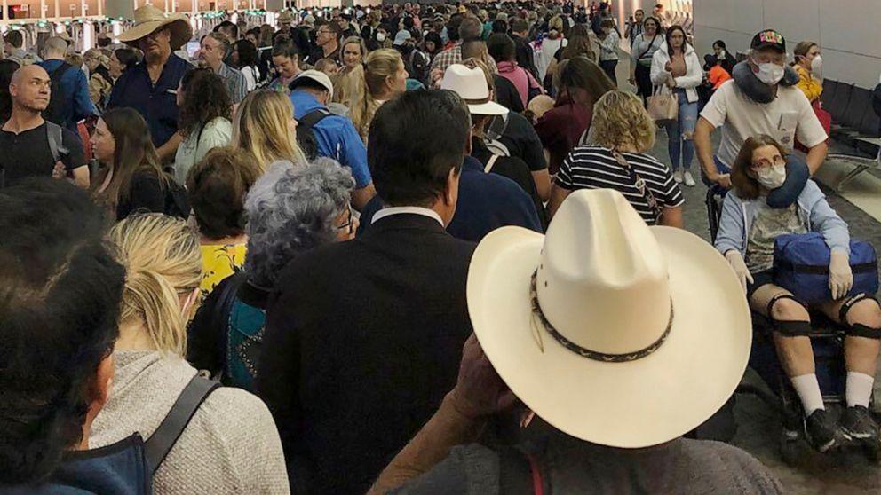 Americans return to long waits for screenings at US airports thumbnail