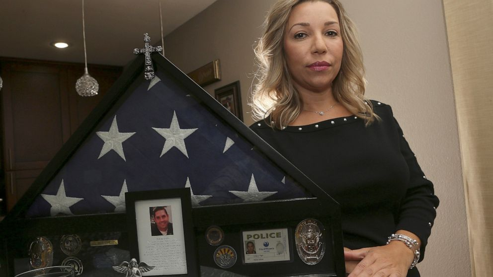 Police departments confront 'epidemic' in officer suicides