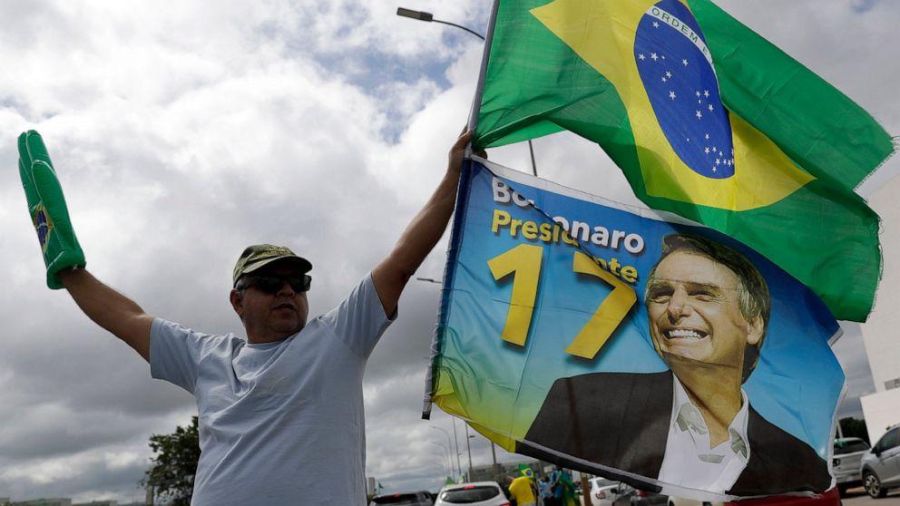 Bolsonaro under fire as Brazil hits 300,000 virus deaths