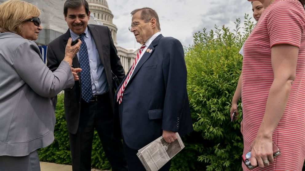 Ambulance called after US Rep. Nadler appears to swoon