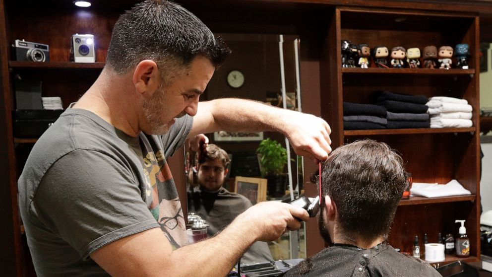 New Zealand Barber Snips Away At Midnight As Nation Reopens Abc News