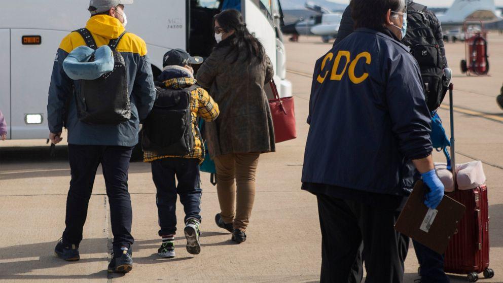 Σχεδόν 200 άτομα να εγκαταλείψουν coronavirus καραντίνα σε ΜΑΣ