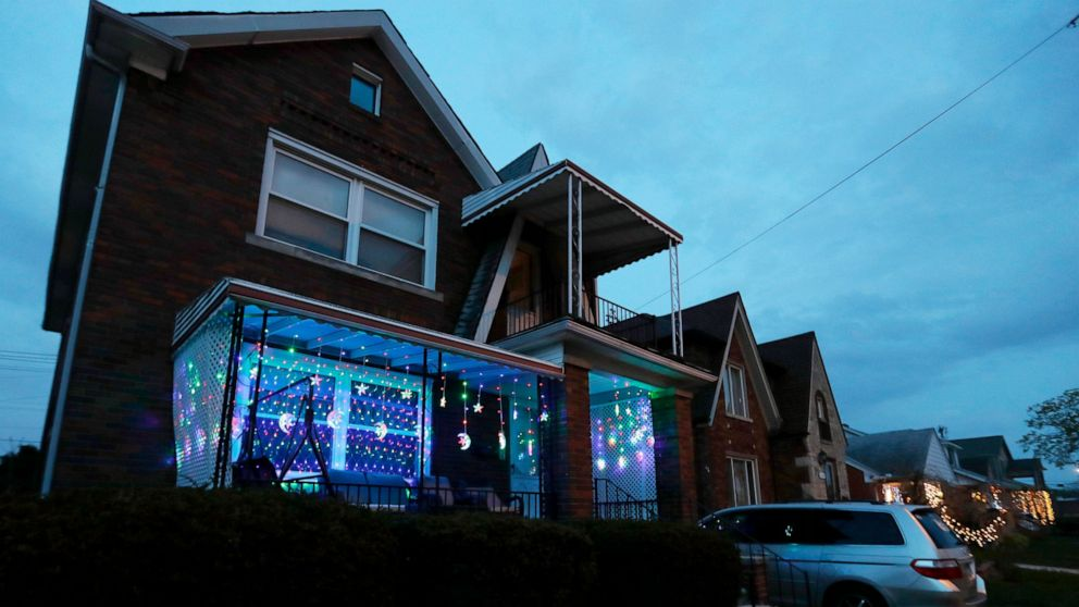 Ramadan Lights to pick Detroit area's best-decorated homes thumbnail