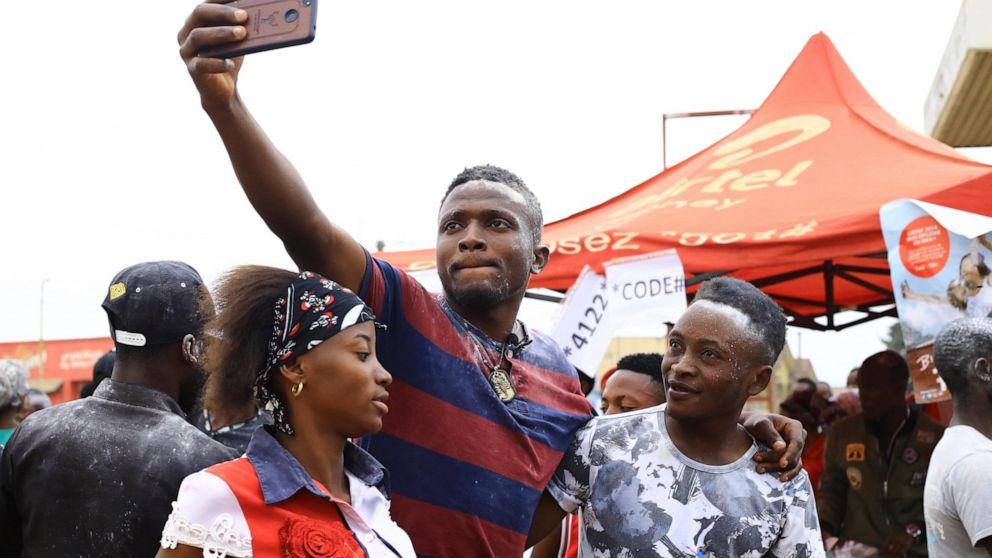 Επιβεβαίωσε Έμπολα θανάτους κοντά 2K, περιπτώσεις πάνω από 3K στο Κονγκό