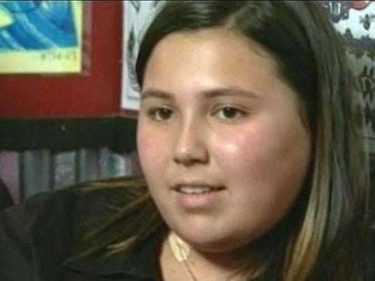 Video: 10-year-old girl suffers from breast cancer.