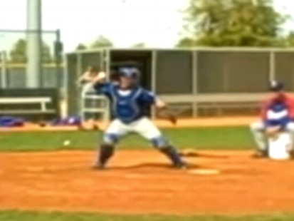 Major League Catcher Forgets How To Throw Abc News