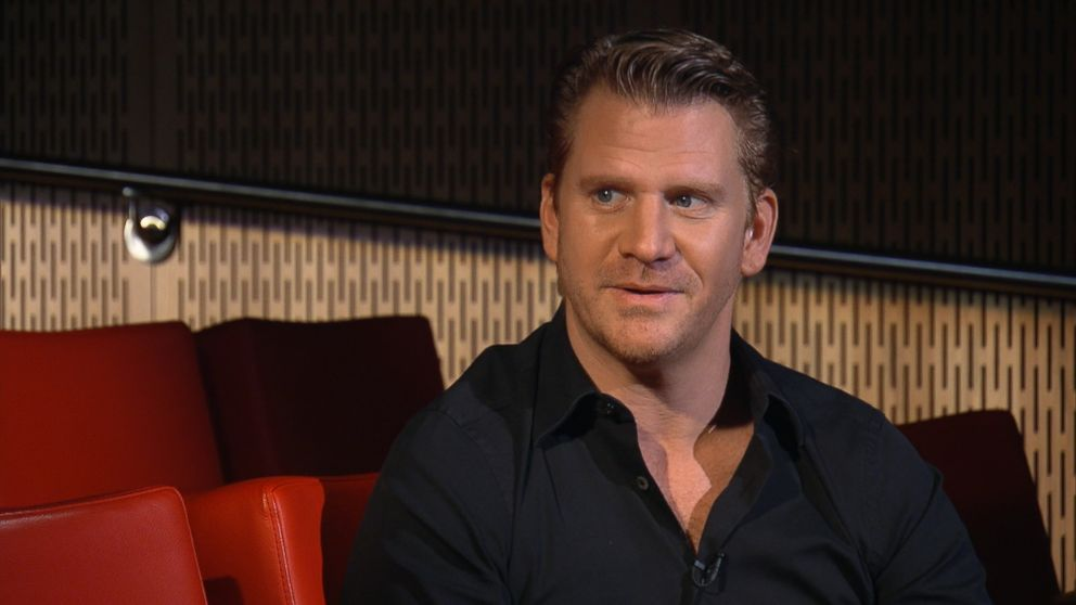 "Actor Dash Mihok sat down with ABC's Elizabeth Vargas for ""20/20."""