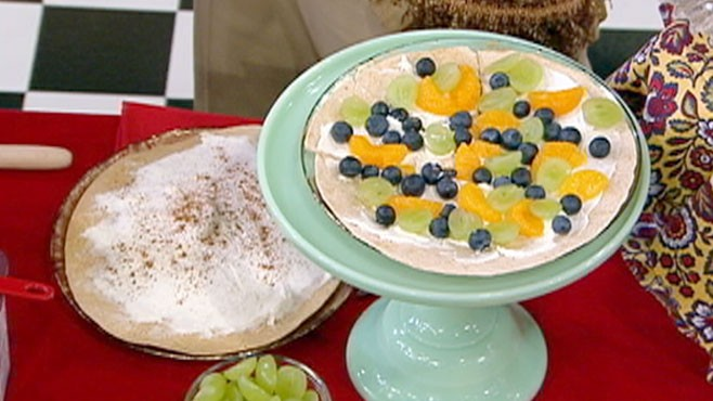 VIDEO: Get your children excited about healthy foods with these holiday crafts.