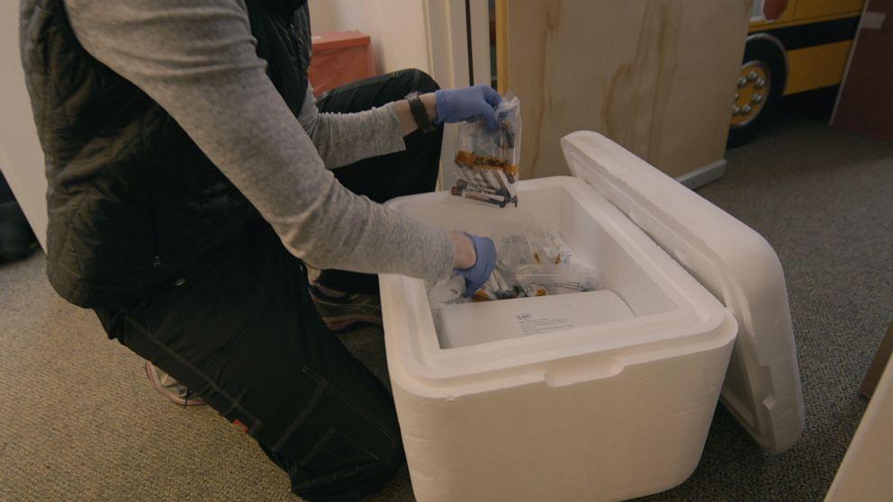 Γιατί coronavirus έλεγχο αντισωμάτων σε μια πόλη θα μπορούσε να προσφέρει έναν τρόπο προς τα εμπρός