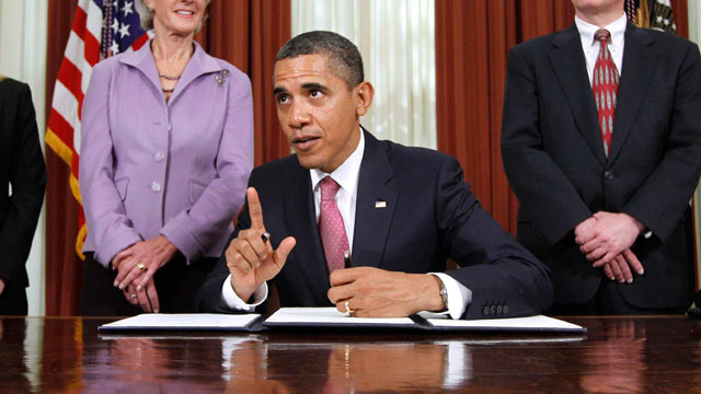 PHOTO: President Barack Obama gestures in the Oval Office at the White House in Washington, Oct. 31, 2011, where he signed an executive order directing the Food and Drug Administration to take steps to reduce drug shortages.