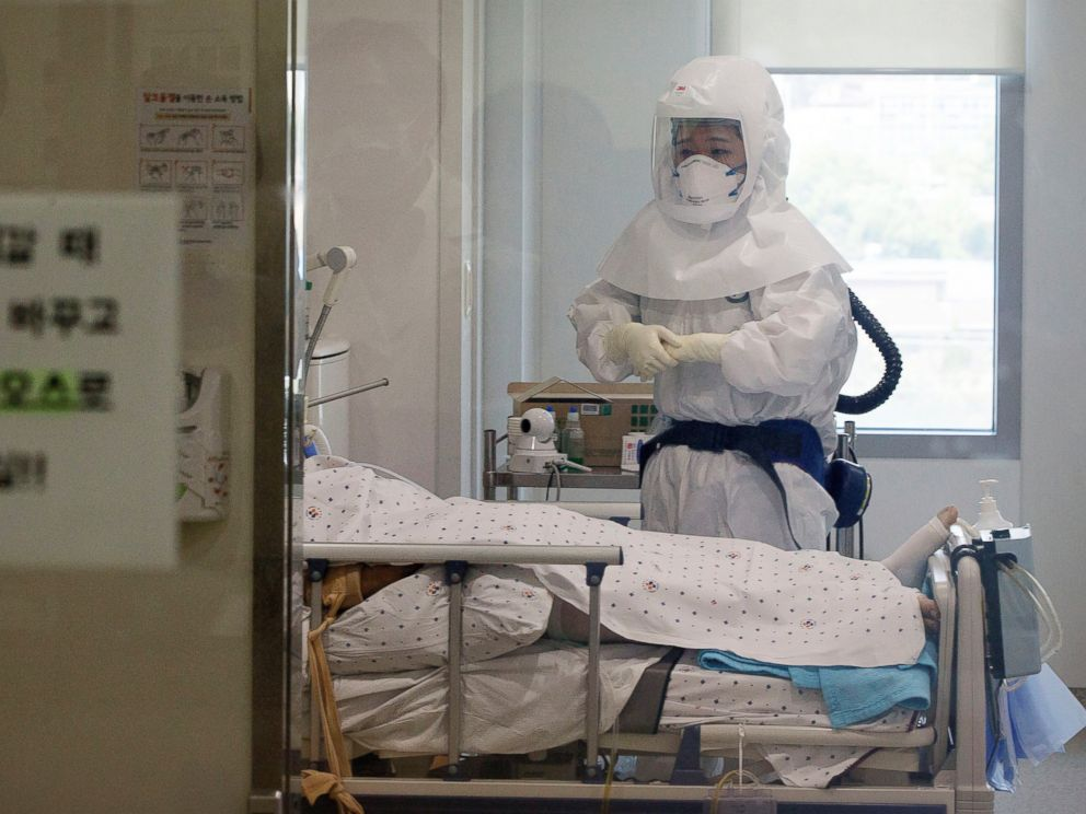 PHOTO: A health care worker wearing protective gear as a precaution against the MERS virus tends a MERS patient inside an isolation ward at Seoul Medical Center in Seoul, South Korea, June 10, 2015.