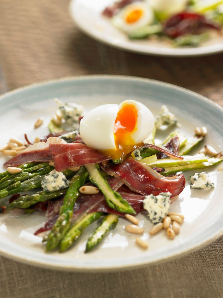PHOTO: Fried wild asparagus and duck ham,soft-boiled egg and pine nuts is a healthy meal for the whole 30 diet.