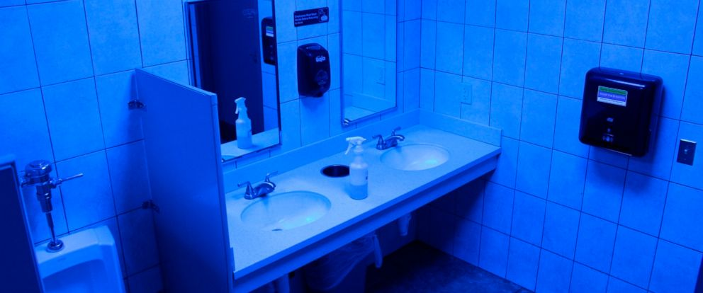 PHOTO: This Turkey Hill convenience store in Wilkes-Barre, Pa. has installed blue light bulbs in some of its stores public bathrooms in hopes of discouraging drug use by making it harder for people to see their veins, June 22, 2018.