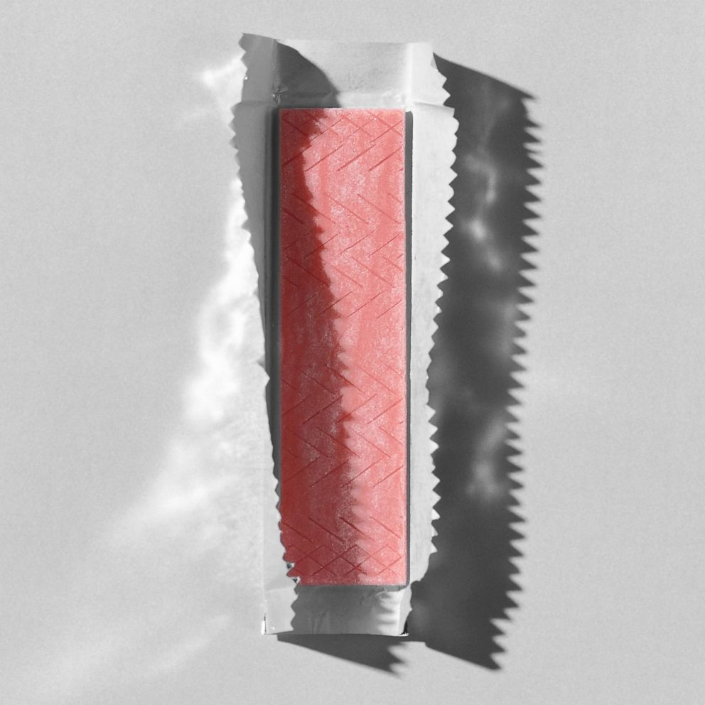 PHOTO: Stick of Cinnamon Gum.