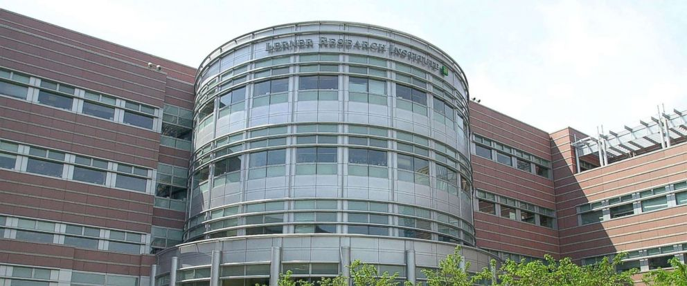 PHOTO: The Lerner Research Institute at the Cleveland Clinic in Cleveland, Ohio, May 10, 2001.