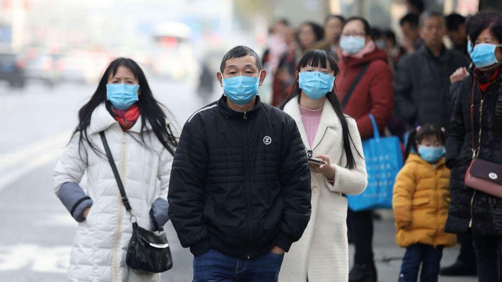 Manusia ke manusia transmisi baru coronavirus dilaporkan di Cina