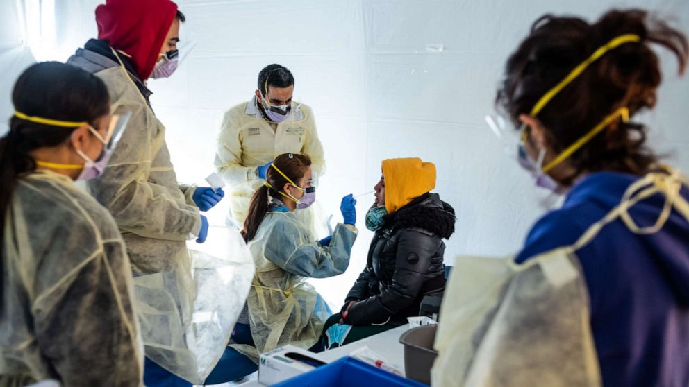 Στη μέση του coronavirus κρίση, ορισμένα νοσοκομεία φόβο οικονομική καταστροφή