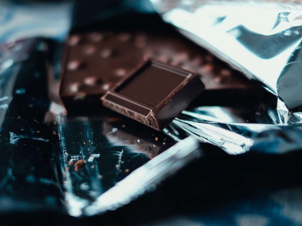 PHOTO: Dark chocolate bar.