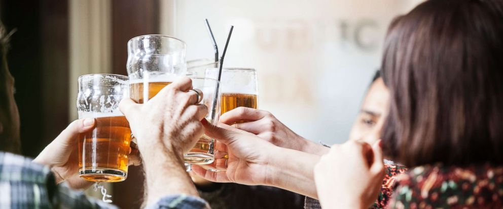 PHOTO: A new study showed that people with more extreme drinking habits, on either end of the spectrum, are more likely to call in sick to work.
