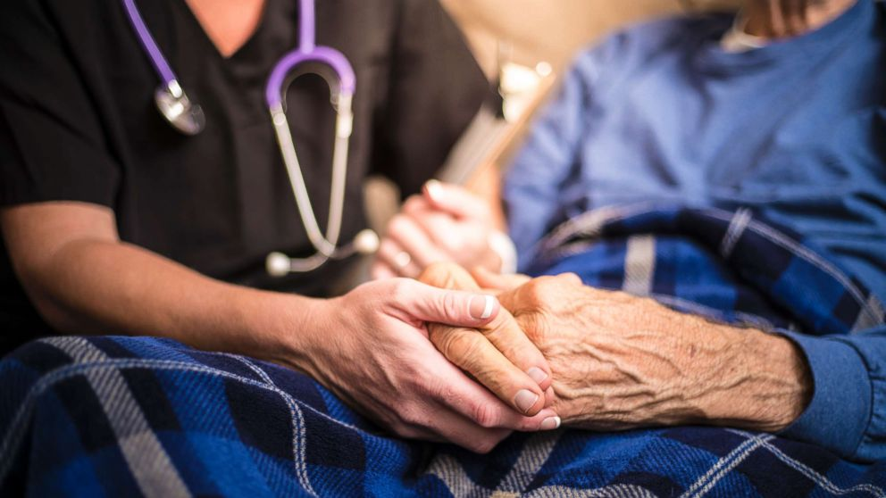 Fresh tricks to lower dementia risk released by World Health Group - ABC Recordsdata thumbnail
