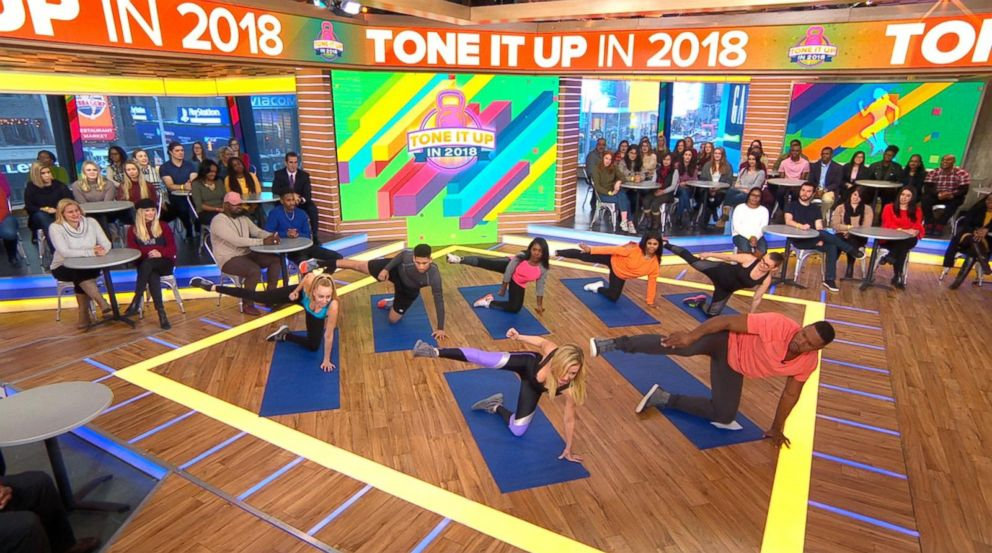 PHOTO Celebrity Trainer Tracy Anderson Demonstrates An At Home Exercise On Good Morning America