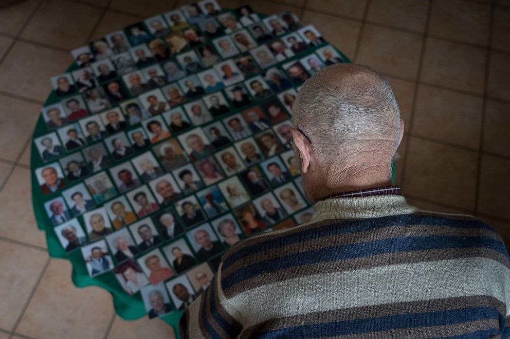 Losing father to dementia amid COVID: Photos - ABC News