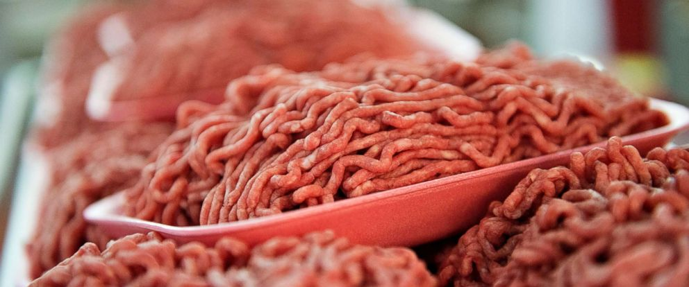 PHOTO: Trays of ground beef sit on a rack in the meat department of a supermarket in Princeton, Ill., July 2, 2014.