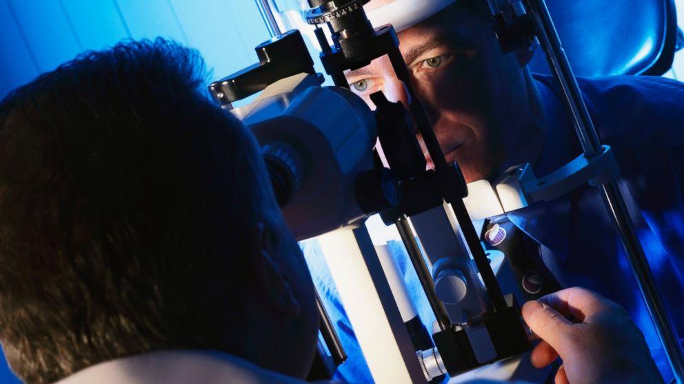 Your eyes' vessels can help identify hidden health dangers.