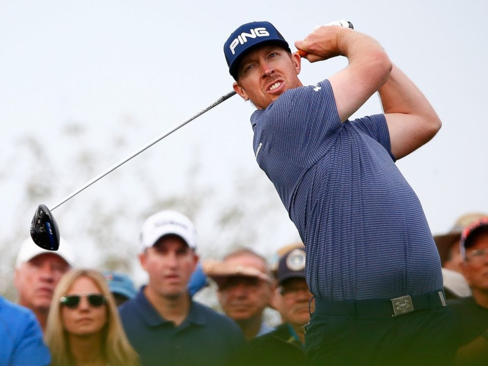 PHOTO: Hunter Mahan hits a tee shot during the first round of the Waste Management Phoenix Open at TPC Scottsdale on Jan. 29, 2015 in Scottsdale, Ariz.