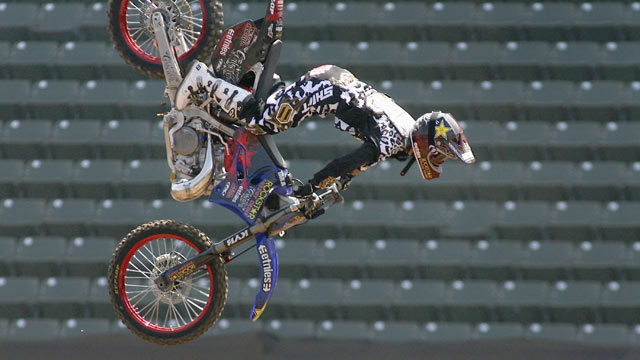 PHOTO: Jeremy Lusk practices in the Moto X Freestyle during the summer X Games 14 at Home Depot Center, July 31, 2008 in Carson, California.