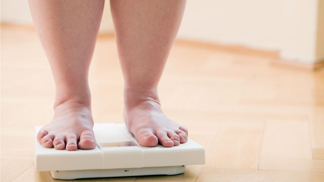 PHOTO: Being overweight may not be a bad thing when it comes to lowering your risk of death, a new review suggests.