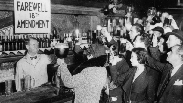 PHOTO: People of New York are celebrating the end of the Prohibition with beer, circa 1933.