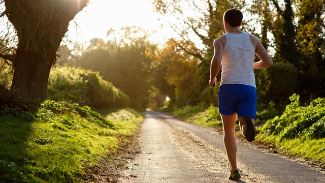 PHOTO: Here are some tips to keep allergies under control while exercising outdoors.
