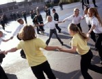 PHOTO: The Institute of Medicine is pushing for more physical education and physical activity for children.